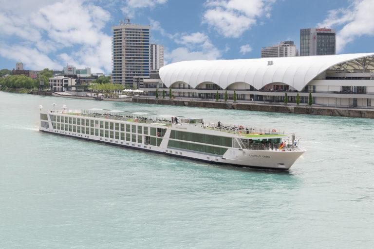 Evergreen Tours_Emerald Star Ships_Emerald Dawn_HR